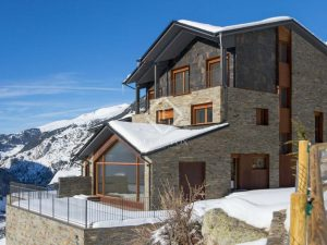 Ski chalets - AND10901